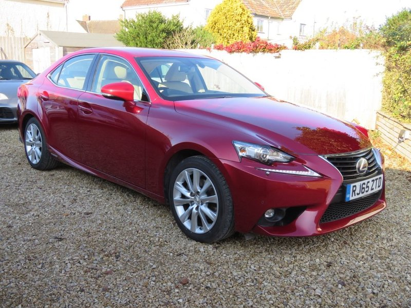 LEXUS IS 300h VVT- i E-CVT Executive Edition