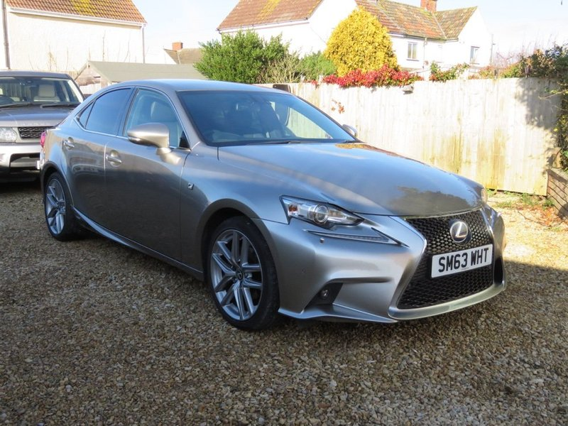 LEXUS IS 300h CVT Auto F-Sport